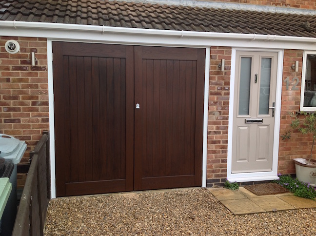 Wessex Side Hinge Doors in Dark Oak