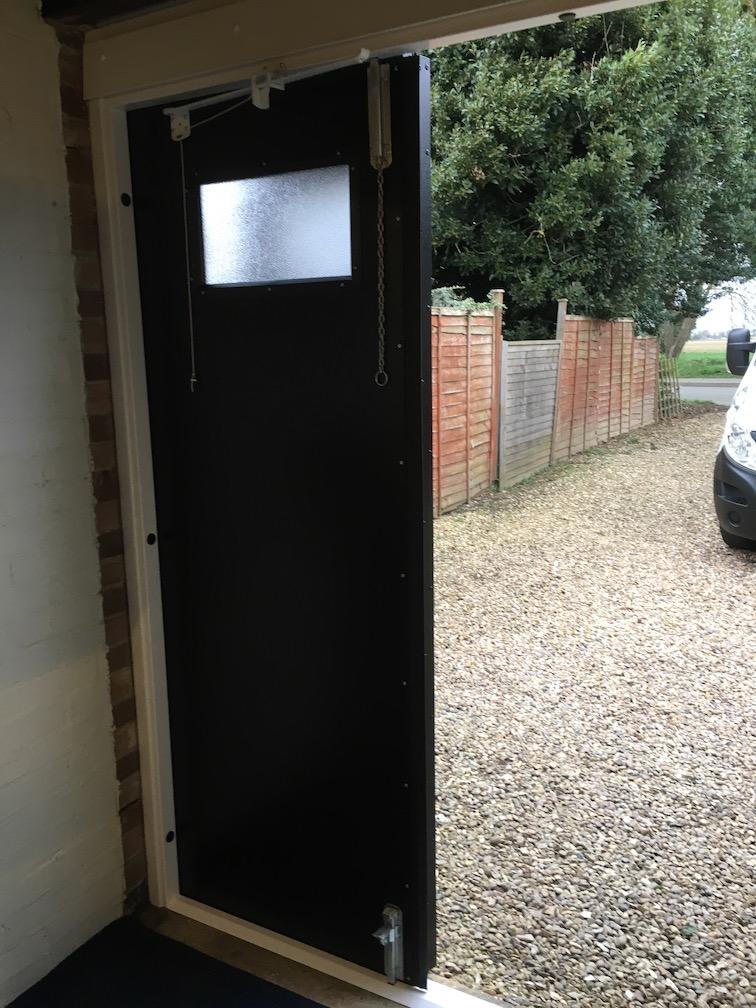 inside view 1 door closed (Bifold)